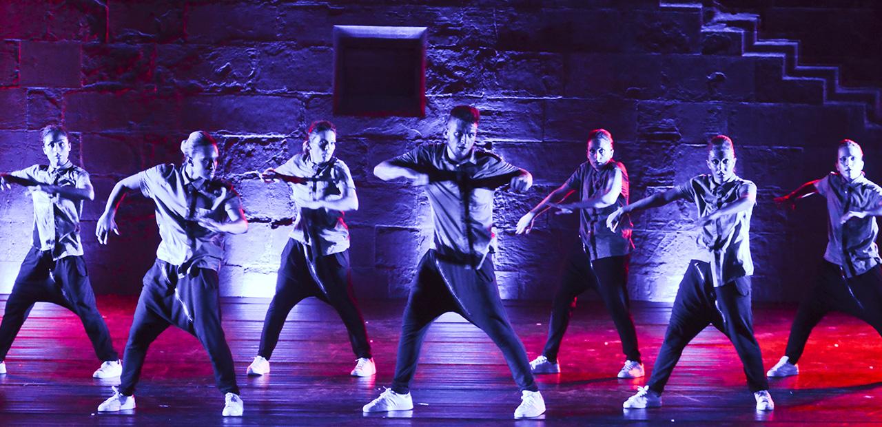 Slide Mystes Dance Company- Third Dimension 1 - Produzioni Danza di Gigi Nieddu
